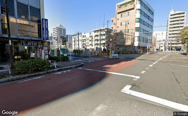 Streetview?size=640x396&location=35.6688297922982%2c139.494484853248&heading=332.221468066157&pitch= 5