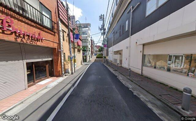 Streetview?size=640x396&location=35.6700024652492%2c139.681524722385&heading=70.5964852260033&pitch= 5