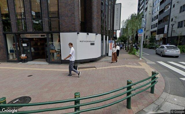 Streetview?size=640x396&location=35.6705746590639%2c139.768097188732&heading=118.023800104296&pitch= 9