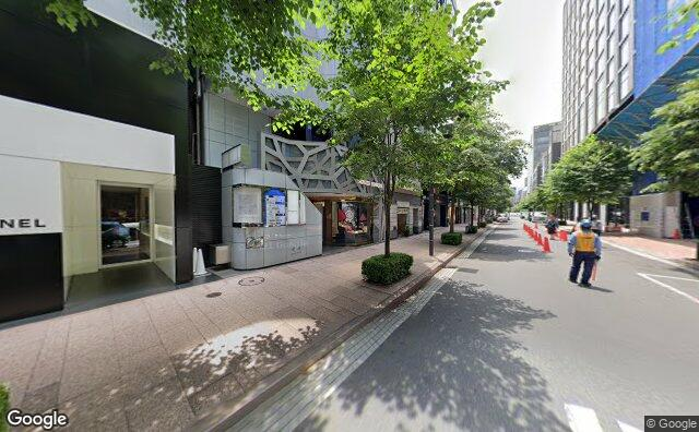Streetview?size=640x396&location=35.6710091182141%2c139.762786768409&heading= 177.654978604935&pitch= 0