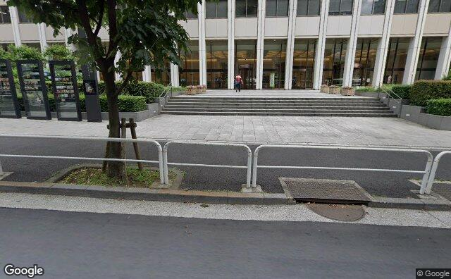 Streetview?size=640x396&location=35.6715441%2c139.7467687&heading=123.818562399253&pitch= 13