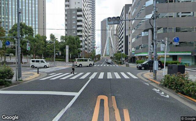 Streetview?size=640x396&location=35.6738096583082%2c139.782722676268&heading=137.095682751913&pitch= 1
