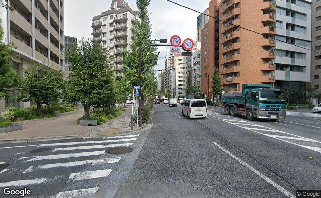 Streetview?size=640x396&location=35.6746780080448%2c139.780511757796&heading=73.1634890029344&pitch= 0