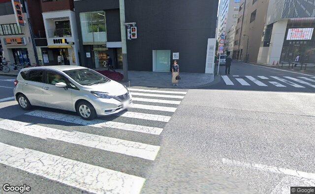 Streetview?size=640x396&location=35.675400162144%2c139.769258053894&heading=98.176619768534&pitch= 15
