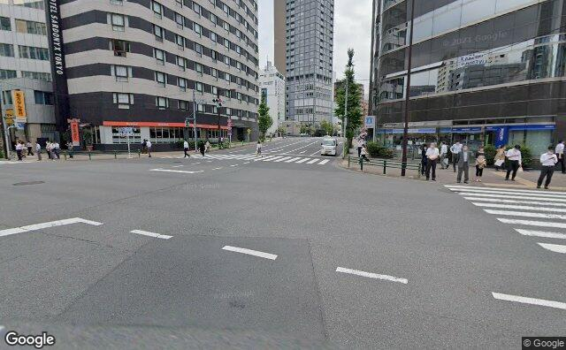 Streetview?size=640x396&location=35.6765793941069%2c139.777861895115&heading=94.3875978080466&pitch= 7
