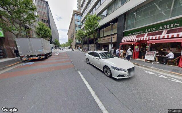 Streetview?size=640x396&location=35.6770305757839%2c139.762313981996&heading=312.419037127397&pitch= 9