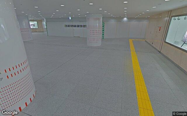 Streetview?size=640x396&location=35.6803536400595%2c139.765168432706&heading=41.4199873332902&pitch= 21