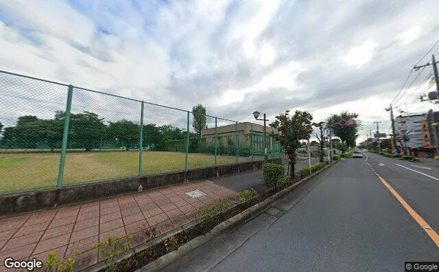 Streetview?size=640x396&location=35.6818010296067%2c139.471793033943&heading=39.834663963614&pitch=5