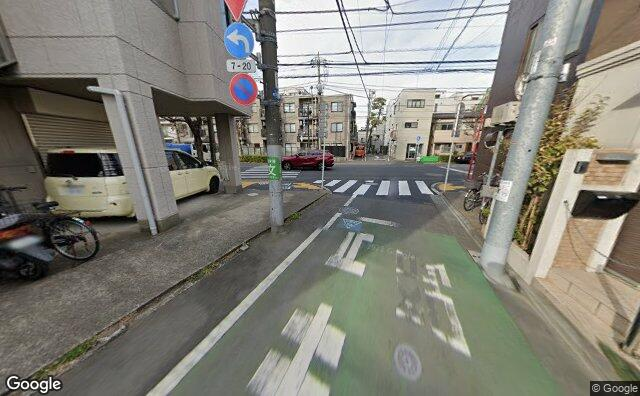 Streetview?size=640x396&location=35.6822696312572%2c139.646028896552&heading=342.958973232129&pitch= 14
