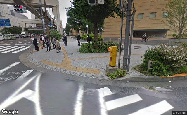 Streetview?size=640x396&location=35.6825900921164%2c139.688240996223&heading= 21.1212494871828&pitch= 14