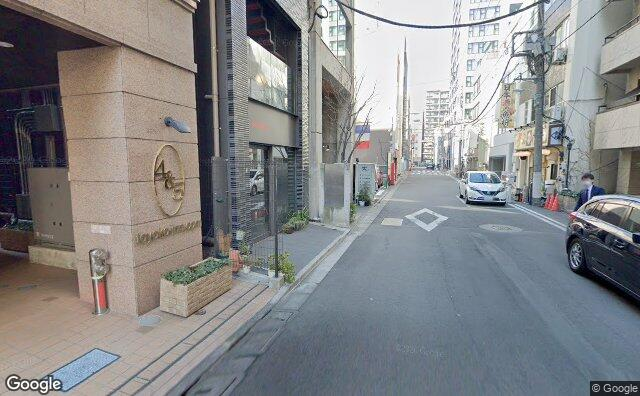 Streetview?size=640x396&location=35.6870822469894%2c139.778745209661&heading=323.839285714286&pitch= 6