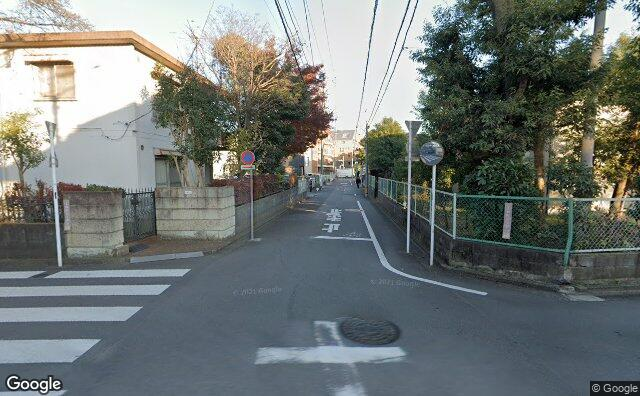 Streetview?size=640x396&location=35.6891377700306%2c139.414997346942&heading=92.895259439541&pitch= 4