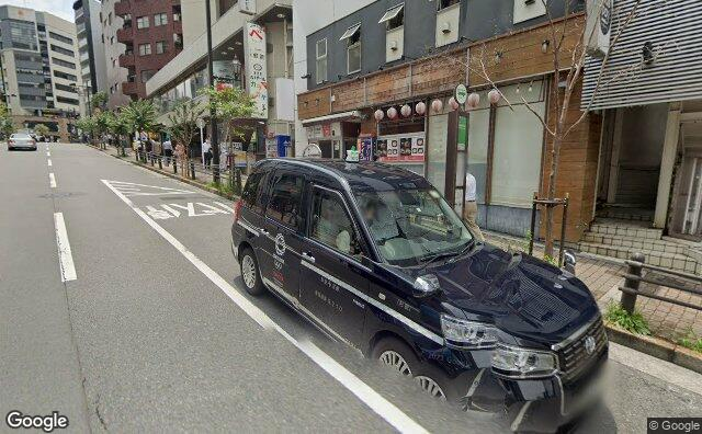 Streetview?size=640x396&location=35.6904555002837%2c139.735706303878&heading= 124.620471339825&pitch= 8