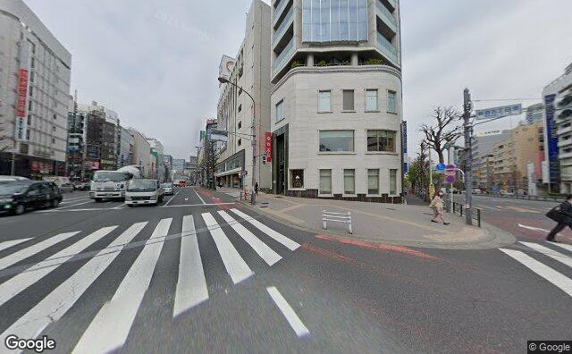 Streetview?size=640x396&location=35.6923068811639%2c139.706761089235&heading=318.748881381151&pitch=2