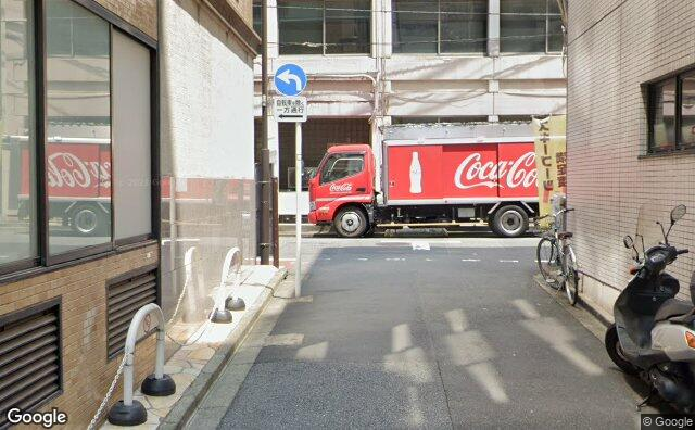 Streetview?size=640x396&location=35.6947101288784%2c139.764461984497&heading= 5.57477678571428&pitch= 2
