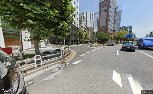 Streetview?size=640x396&location=35.6958701204405%2c139.768528561175&heading=38.4057600949163&pitch= 6