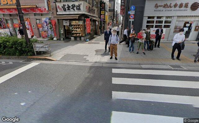 Streetview?size=640x396&location=35.6981660686707%2c139.775627289565&heading=83.7770497261714&pitch= 20