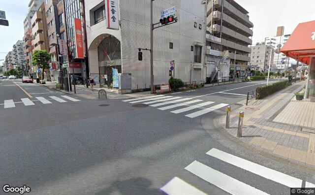 Streetview?size=640x396&location=35.6983788%2c139.5611358&heading= 136.835781699153&pitch= 8