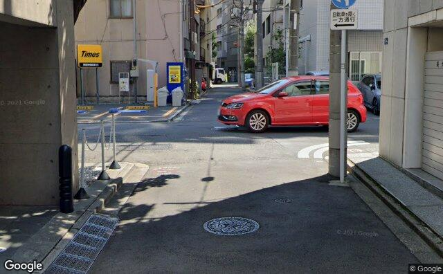 Streetview?size=640x396&location=35.6984729471529%2c139.757654476037&heading=64.6032291643233&pitch= 7