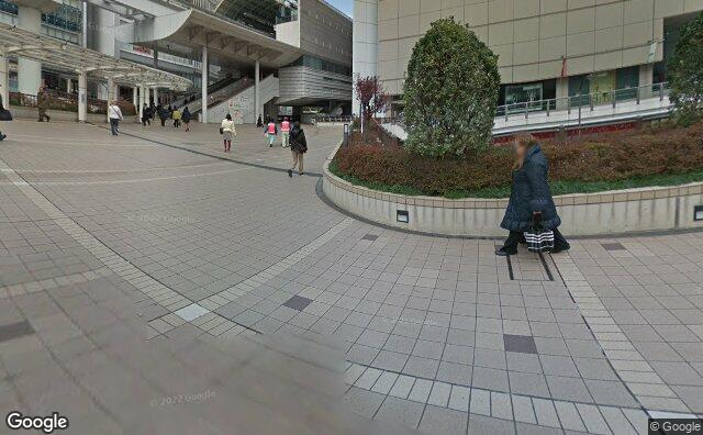 Streetview?size=640x396&location=35.6988573972723%2c139.41290139677&heading=289.202000100655&pitch=0