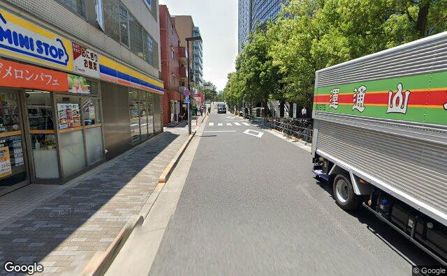 Streetview?size=640x396&location=35.6991578002372%2c139.744758897293&heading= 129.062872477711&pitch= 7