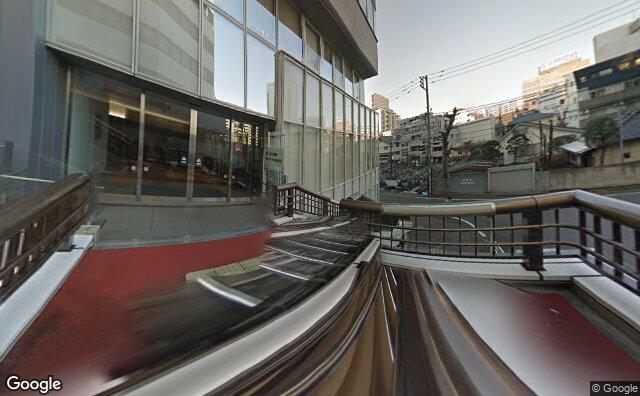 Streetview?size=640x396&location=35.6993503446377%2c139.411750127814&heading=198.146509520339&pitch=0