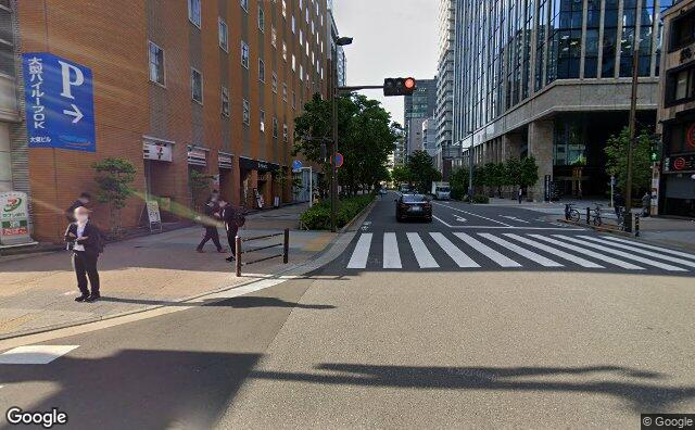 Streetview?size=640x396&location=35.6994337028793%2c139.774278769861&heading= 0.498578111488506&pitch= 4