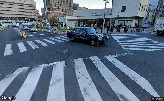 Streetview?size=640x396&location=35.699754046971%2c139.76336586233&heading=63.2844422824955&pitch= 18