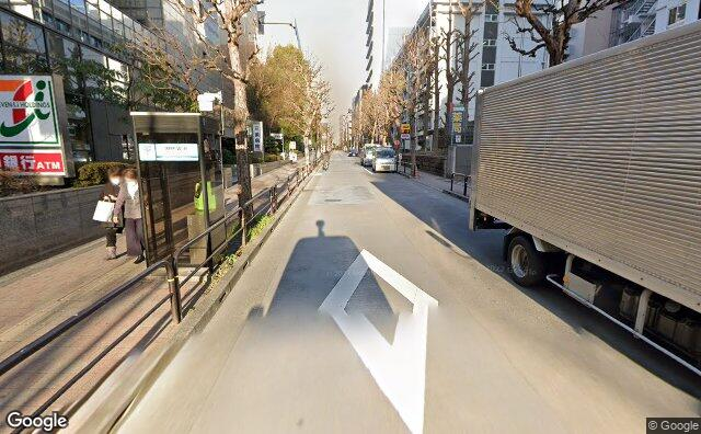 Streetview?size=640x396&location=35.7003372730096%2c139.76162727857&heading= 65.5230740478298&pitch= 10