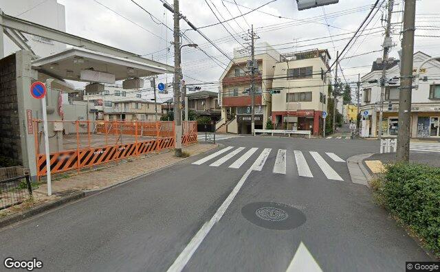 Streetview?size=640x396&location=35.7005102%2c139.6582974&heading= 19.1180654840849&pitch= 4