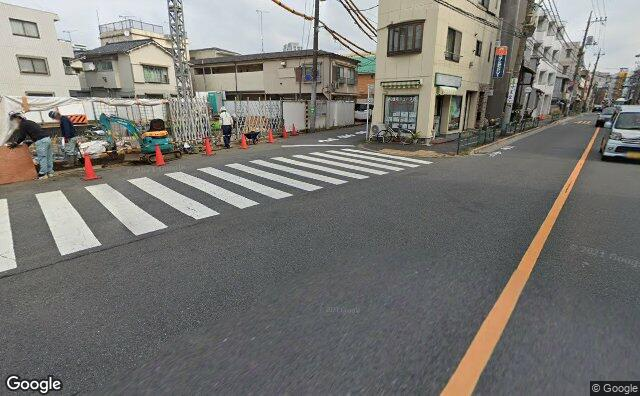 Streetview?size=640x396&location=35.7006437756495%2c139.658556097249&heading=61.5164886755711&pitch= 16