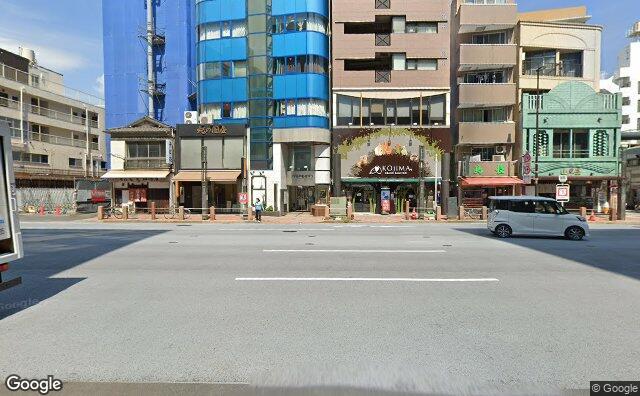 Streetview?size=640x396&location=35.7015733531239%2c139.82424891949&heading=355.982142857143&pitch= 1