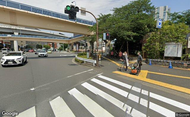 Streetview?size=640x396&location=35.7024041278983%2c139.744412275617&heading=78.7706028108723&pitch= 4