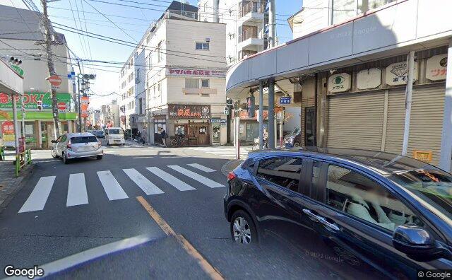Streetview?size=640x396&location=35.702848018058%2c139.600128890718&heading=232.975370027984&pitch= 4