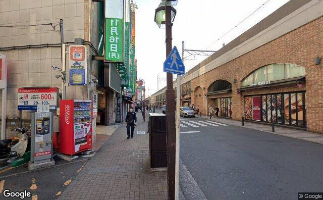 Streetview?size=640x396&location=35.7034213709856%2c139.581270965052&heading=95.541943749724&pitch=1