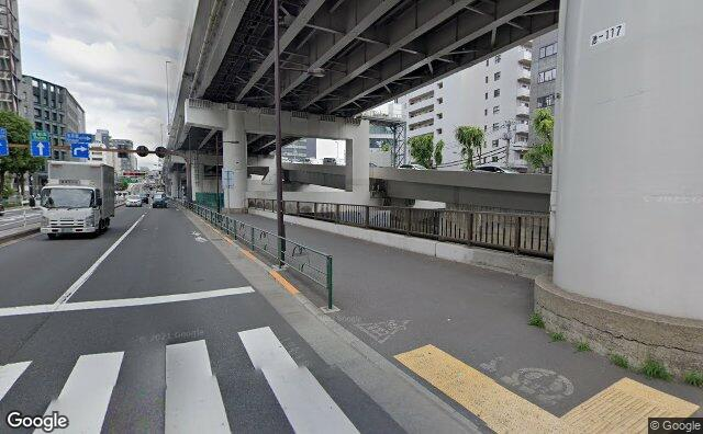 Streetview?size=640x396&location=35.7040659372942%2c139.744281811993&heading=13.3548238204389&pitch= 3