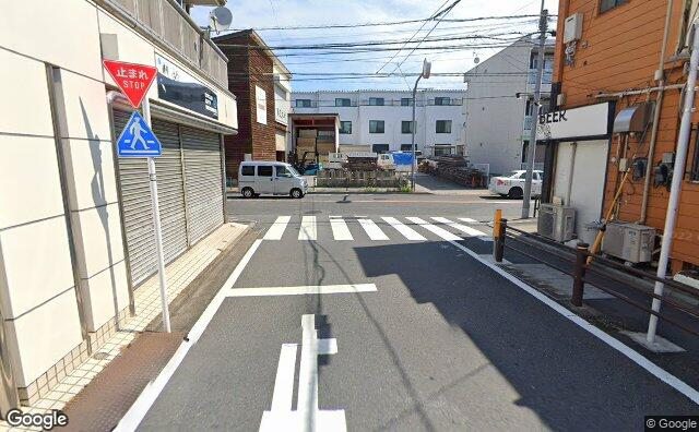 Streetview?size=640x396&location=35.7042269993132%2c139.585634475451&heading=26.9781807313415&pitch= 9