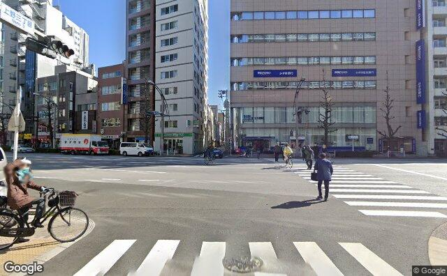 Streetview?size=640x396&location=35.7057548520868%2c139.771827184733&heading= 266.986607142857&pitch=1