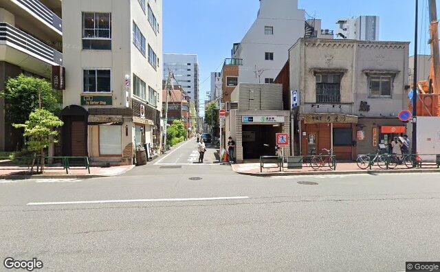 Streetview?size=640x396&location=35.7058286842864%2c139.769899605083&heading= 262.165178571429&pitch= 0