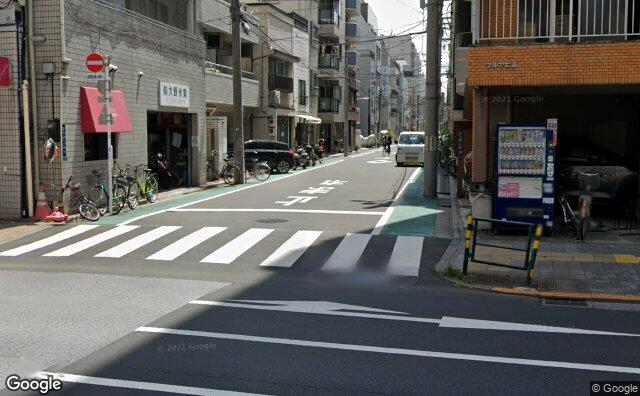 Streetview?size=640x396&location=35.7066523%2c139.7854694&heading=171.49127819268&pitch= 4
