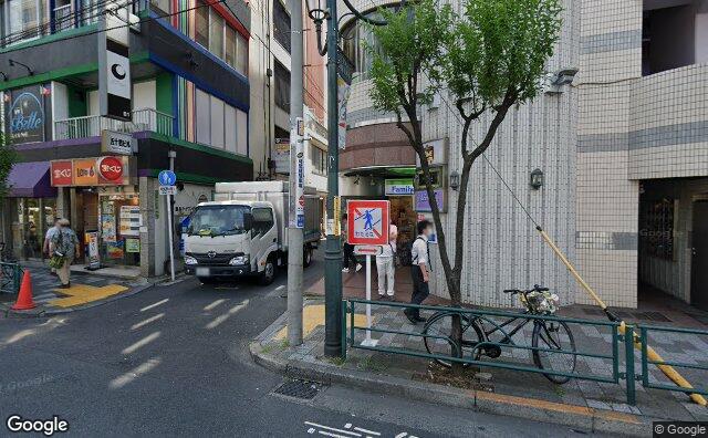Streetview?size=640x396&location=35.7082011705807%2c139.770676544771&heading=164.62846074861&pitch= 1