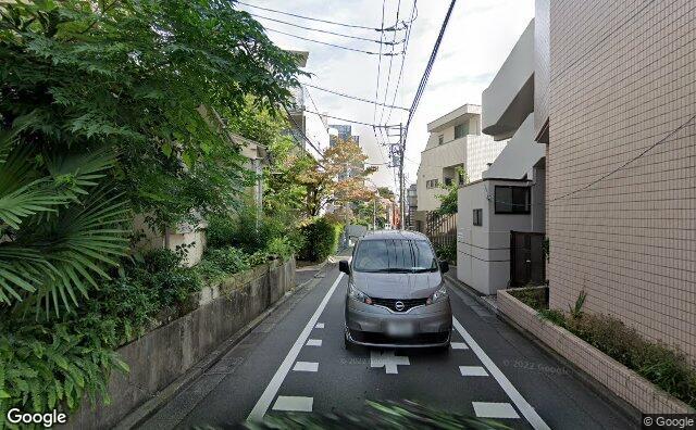 Streetview?size=640x396&location=35.7085240983069%2c139.711264857406&heading=31.7079754076606&pitch=0