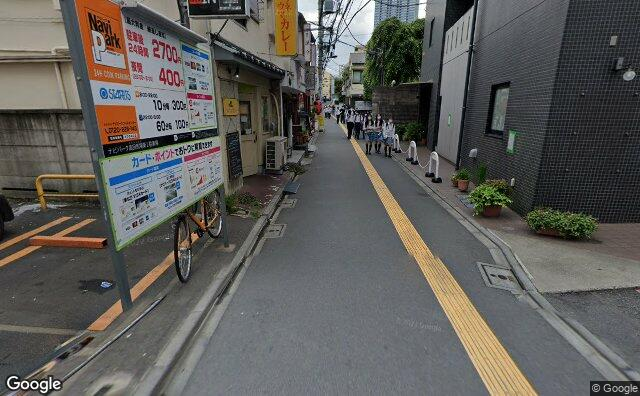 Streetview?size=640x396&location=35.7120149700928%2c139.706737767788&heading= 158.577741529276&pitch= 15