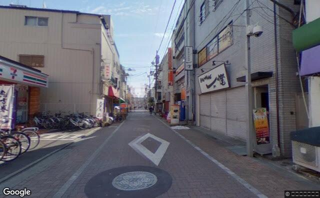 Streetview?size=640x396&location=35.7153245714684%2c139.858164808275&heading= 223.392857142857&pitch=3