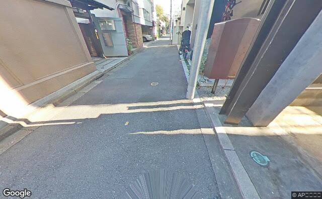 Streetview?size=640x396&location=35.7175222037268%2c139.766247466627&heading=54.7097248590038&pitch= 35