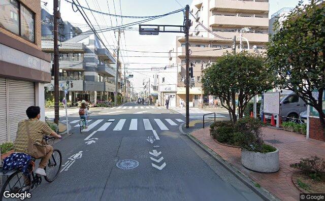 Streetview?size=640x396&location=35.7236986218749%2c139.662704555325&heading=5.70959833877818&pitch= 1