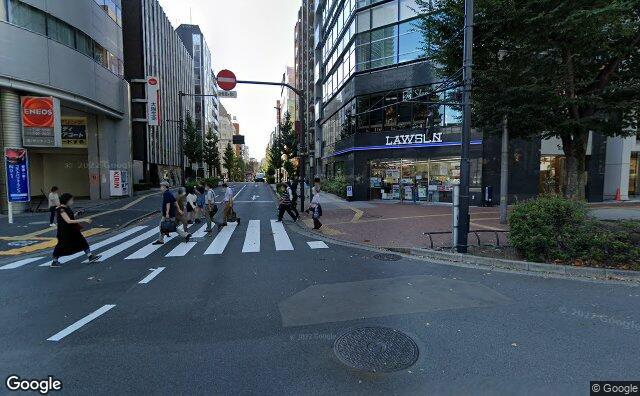 Streetview?size=640x396&location=35.7273982%2c139.7167004&heading= 132.389596676795&pitch= 3