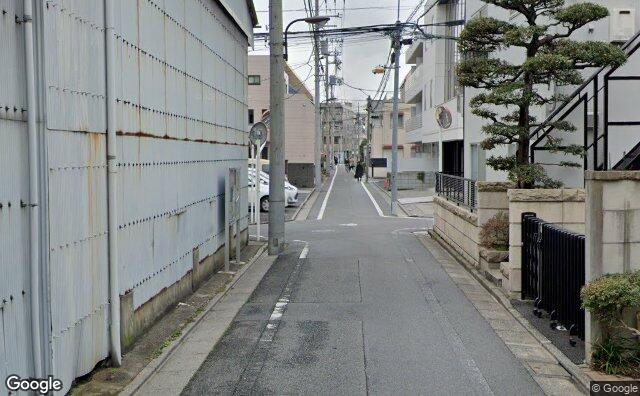 Streetview?size=640x396&location=35.7323412%2c139.6980428&heading=198.683035714286&pitch= 3