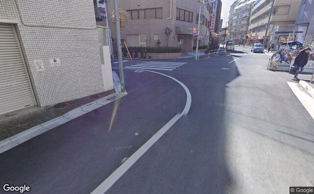 Streetview?size=640x396&location=35.7452621828359%2c139.719856474266&heading=171.591209835634&pitch= 19