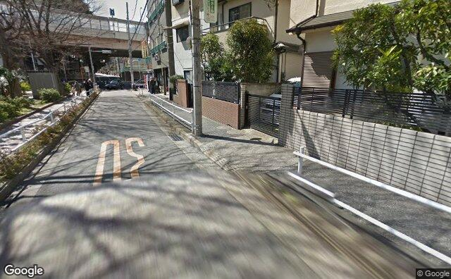 Streetview?size=640x396&location=35.7728632419478%2c139.692743974733&heading= 130.129588036393&pitch= 15